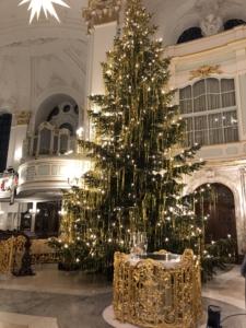 Der Weihnachtsbaum im Michel